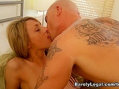 Lexxxi Lowe in Amateur Hook-Ups