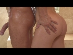 Stevie Shae In A Fucking Hawt Oil Massage (JustLoveTheThing)