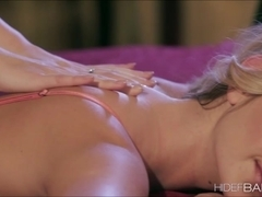 Gorgeous Kenna and Samantha in lesbian action and licked each others pussy