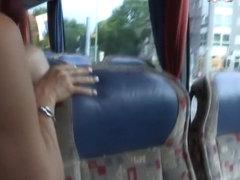 Fickend im Bus zur Fanmeile