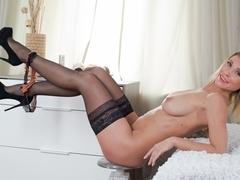 Rita in Hot Mama Scene