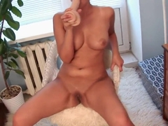 Vanessa Vaughn is showing hot to do a blowjob