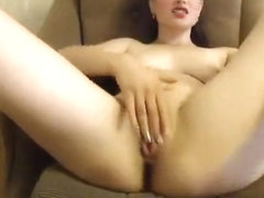 Missslady fingering and fucking her pussy