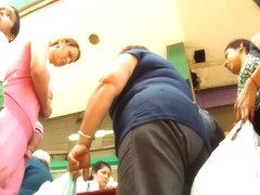 Amateur hidden upskirt cam video of an attractive woman