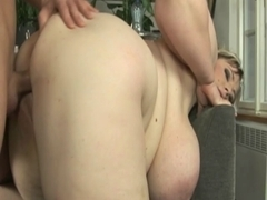 Shorthaired big beautiful woman toys and copulates