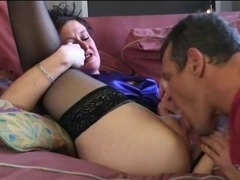 Sexy Curvy Short-haired Cougar Banging