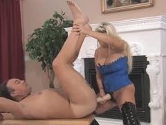 Holly-Shlong Mistresse
