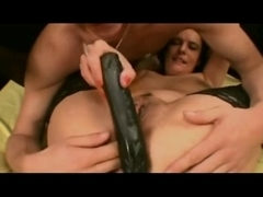 MILF slut gets anal fucked in this sexy porn video