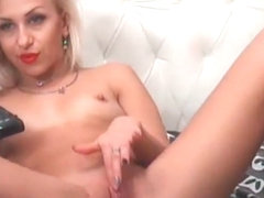 Aged Golden-Haired Disrobe and Masturbate Her Snatch on Livecam