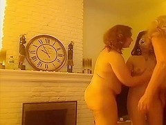 Lesbians on webcam