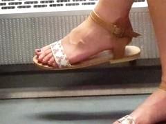 train feet 1