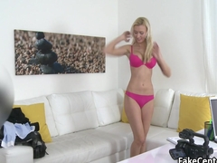 Blonde nailed her pussy on casting