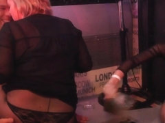 Euro amateur babe sucking strippers dick