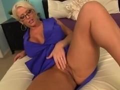 JOI Cumming on MILFS cunt