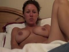 I'm masturbating while on my webcam