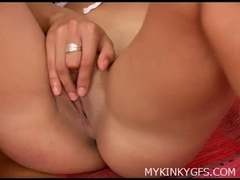 Non-Professional Honey with Sex-Toy