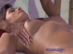 Clit rub for her orgasm with masseuse