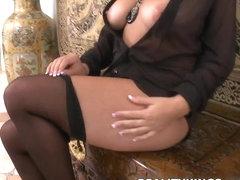 Bignaturals - Tits and thighs