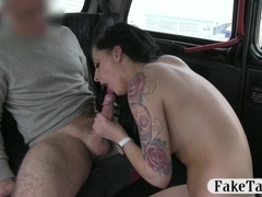 Busty amateur chick payed her cab fare with her pussy