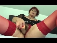 Hot mature MILF with red hair gets her sexy pussy eaten