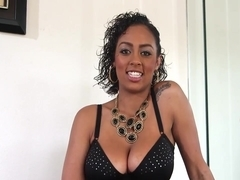 Great blowjob by beautiful Ebony woman