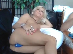 cheekypussyxxx private video on 06/14/15 15:54 from Chaturbate