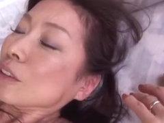 Mika Matsushita nasty milf enjoys oral stimulation