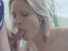 Horny stepmom Samantha decided to give Jason a blowjob