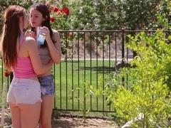 Teen slut does professional cunnilingus in hd porn film