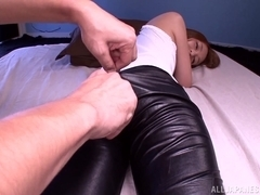 Enticing Jessica Kizaki in leather pants gets it doggy style