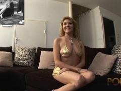 Nice looking MILF shows her goods in HD