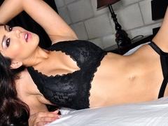 Sunny Leone in Bedroom Tease Video