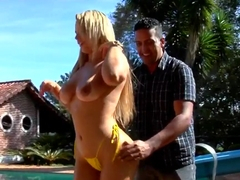 Curvy stunner Angel teases Tony Tigrao by the pool