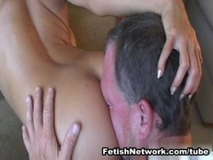 EliteSmothering Video: Face full of flesh