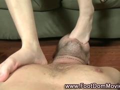 Domina fucks roughly with feet