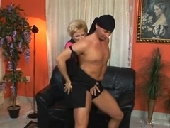 Mature whore gets dicked and facialized