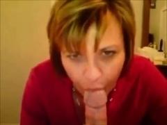Amateur milf eats cum