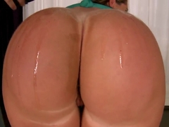 Big bootyful honey Susanna gets her ripe good oily and hot