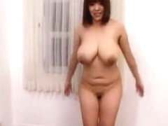 Hottest Japanese model Momoe Mochida in Amazing Sports JAV clip