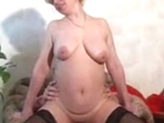 RUSSIAN BLONDE MATURE FUCKED BY A LARGE DICK