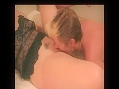 Wife tasting muff for the 1st time