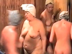 Hidden cameras in public pool showers 507