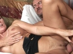 Curvy mature brunette in hot oral action