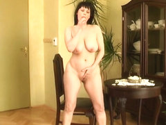 Curvy old housewife with hanging large mangos and big gazoo