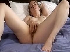 Homemade masterbation porn shows me rubbing clit