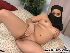 Arab girlfriend sucks and fucks with facial