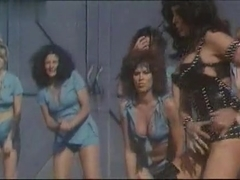 Angela Aames,Angelique Pettyjohn,Anne Gaybis,Raven De La Croix in The Lost Empire (1985)