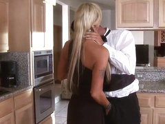 Boring milf Houston gets her pussy boned in the kitchen