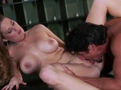 Marvelous MILF Allison Moore bangs Tommy Gunn