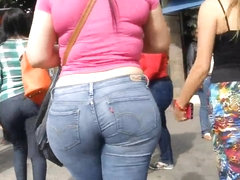 Candid Booty 137